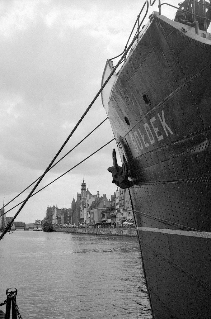 Gdańsk: Sołdek museum-ship side